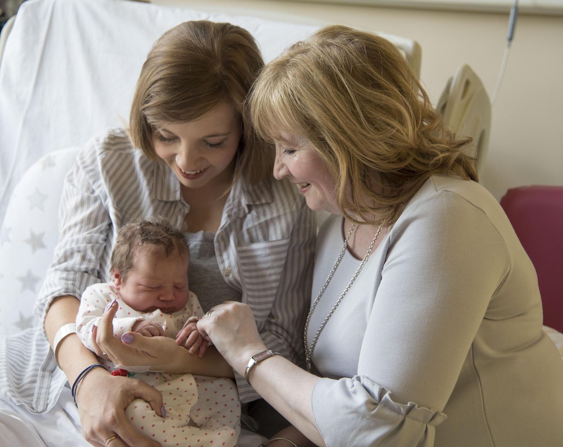 Máme v rodině dědičné potíže s kojením. Co s tím?